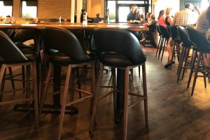 M5670BS Barstools Black / T20P Plank Black Walnut Tops